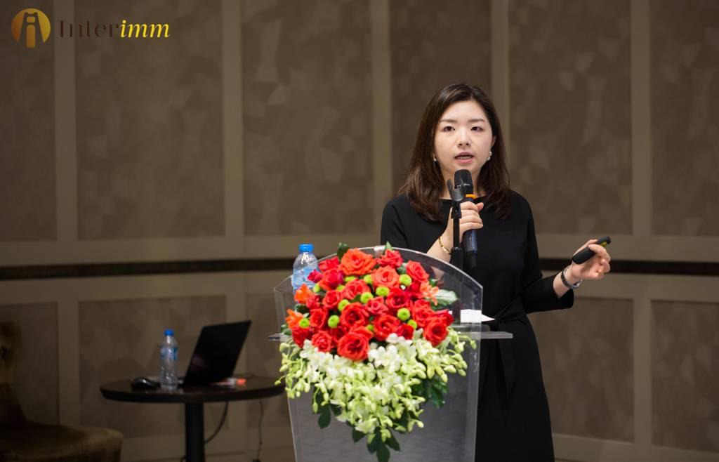 Ba-Yipeng-giam-doc-Marketing-trung-tam-vung-Golden-Gate-Global