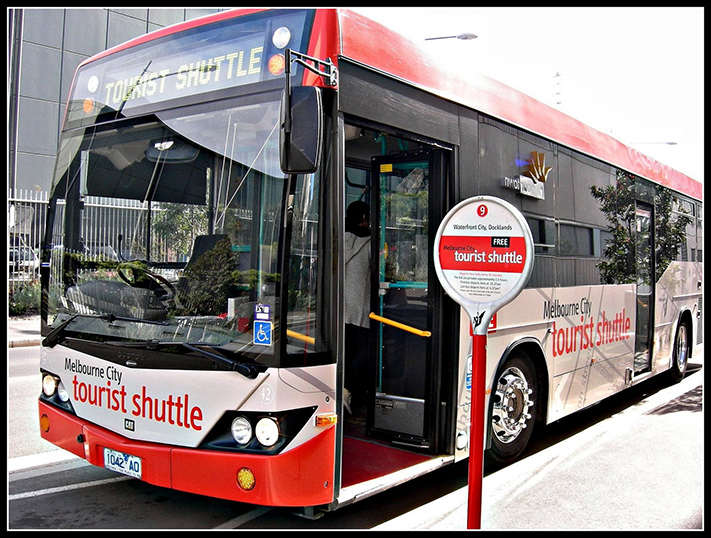 Khách du lịch được đi xe bus miễn phí