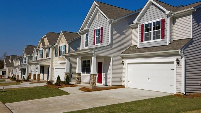 """Một số công ty bất động sản nhắm vào việc quảng bá với thông điệp """"mua nhà sẽ được đinh cư tại ÚC"""""""