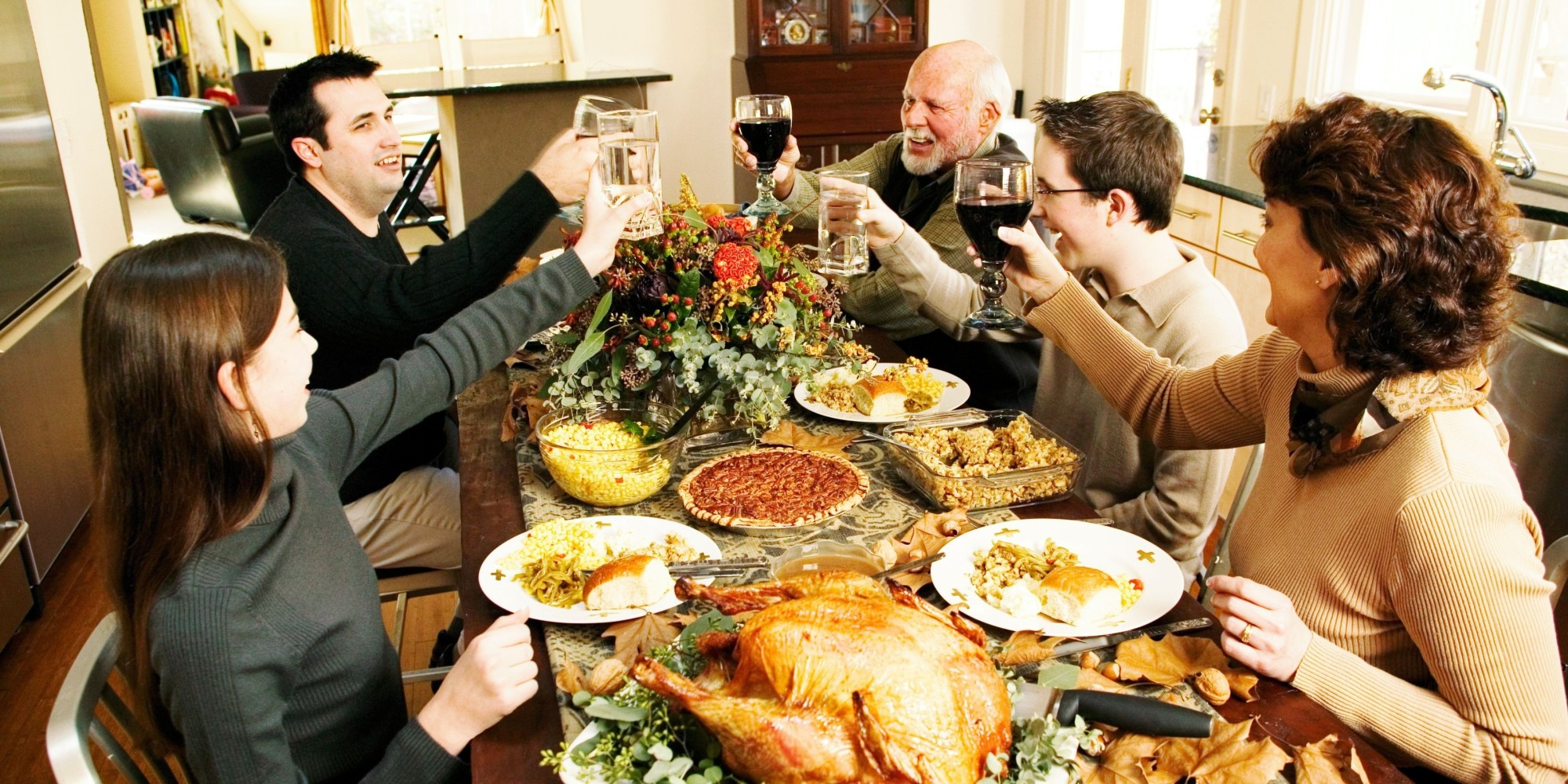 The cost of the average Thanksgiving dinner for 10 people is around $50