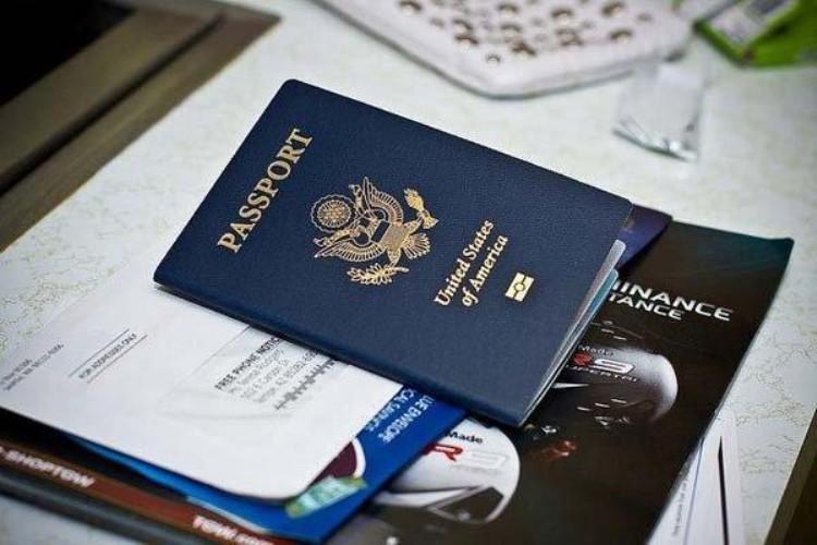 Định cư nước ngoài là một vấn đề quan trọng, có liên quan đến tương lai sau này