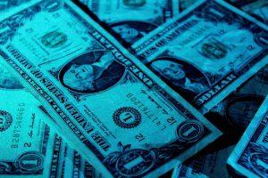 Đi định cư Mỹ được mang theo bao nhiêu tiền?