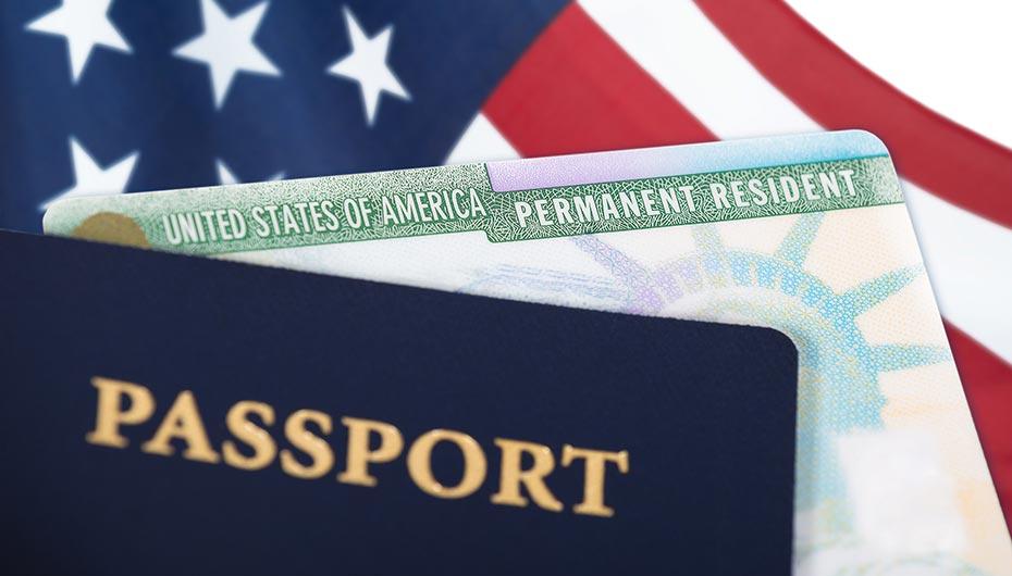 Chỉ cần passport và chiếc thẻ xanh là bạn tha hồ vi vu khắp nơi